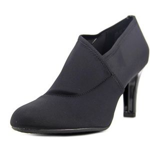 Bandolino Ladson canvas black ankle booties -8.5M